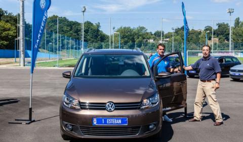 Los jugadores del Oviedo también se mueven con Volkswagen