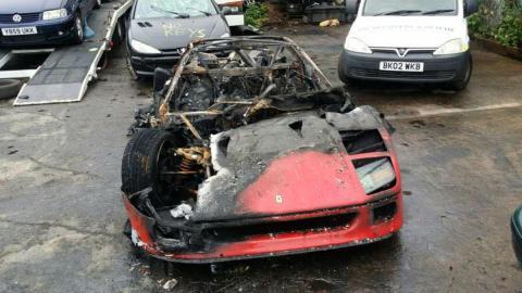 Ferrari F40 calcinado