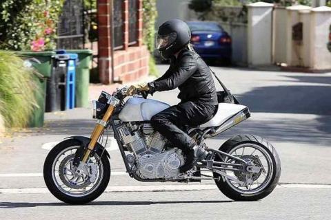 Brad-Pitt-Motos-1