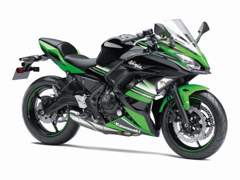 Kawasaki-Ninja-650-2017-1