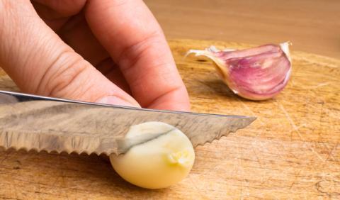 El mejor remedio contra el aliento a ajo, según la ciencia