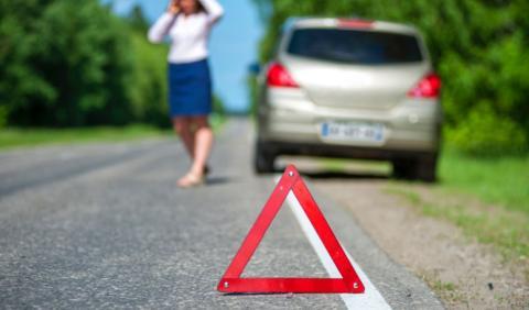 Qué hacer si tienes un accidente en autopista