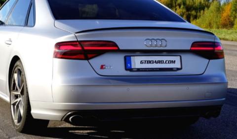La brutal aceleración del Audi S8 Plus, en vídeo