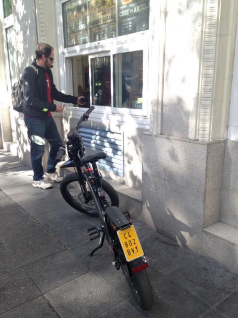 Prueba Bultaco Brinco S restaurante