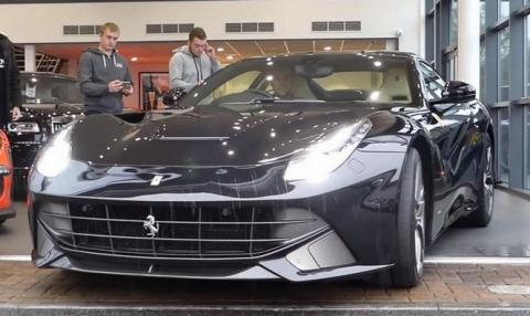 Cambia su Lamborghini Huracán por un Ferrari F12berlinetta