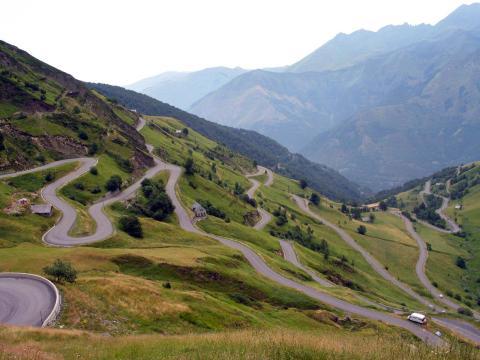 Cuatro puertos de montaña que coronar con tu Toyota RAV4