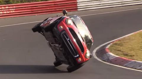 El récord más lento de Nürburgring: ¡a dos ruedas!