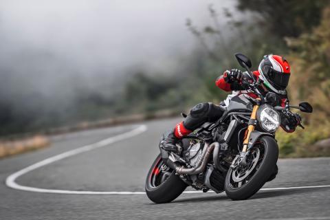 Nueva-Ducati-Monster-1200-S-2017-1