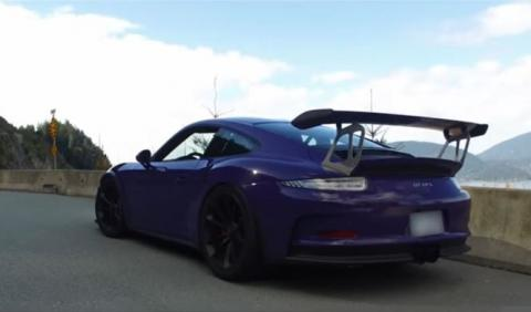 Vídeo: este Porsche 911 GT3 RS Ultraviolet luce genial