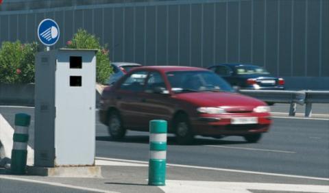 La DGT devolverá el carné y 200 euros a un conductor