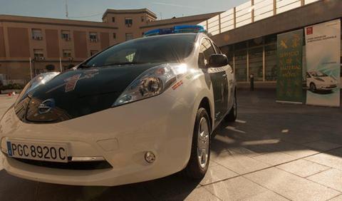 La Guardia Civil se mueve en coche eléctrico