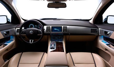 5 tecnologías de las que podría prescindir nuestro coche