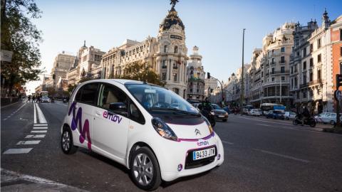 Emov-Carsharing-Gran-Vía-Madrid