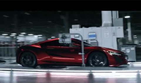 Honda regala a los clientes del NSX un vídeo y una maqueta