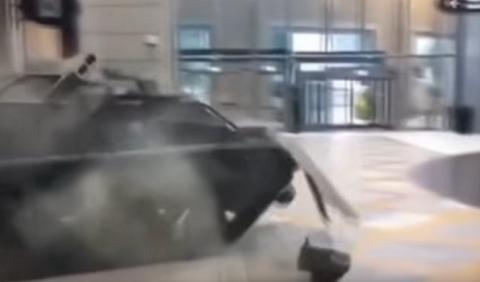 Jeremy Clarkson y un tanque… ¡peligro!
