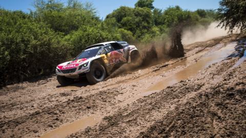 Dakar 2017. Coches, Etapa 2: Loeb toma las riendas