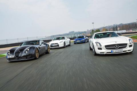 Nissan GT-R/Wiesmann GT MF5/Audi R8 V10 plus/MB SLS AMG GT