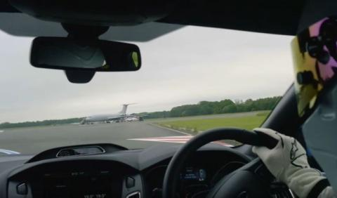 Vídeo: vuelta on board con The Stig en el Ford Focus RS