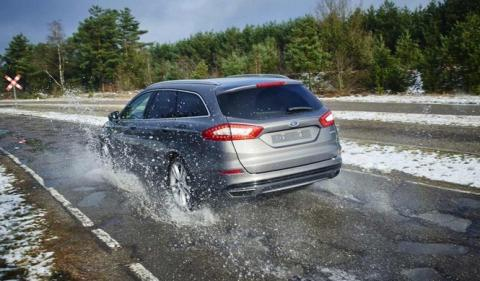 Ford trabaja con una tecnología capaz de detectar baches
