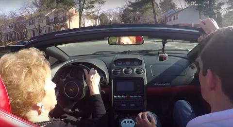 Vídeo: haz feliz a tu abuela al volante de un Lambo