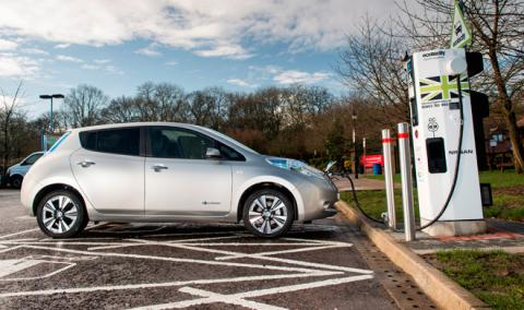 Los cuatro modos de carga de un coche eléctrico