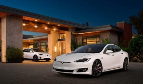 Tesla sigue como referente del automóvil eléctrico