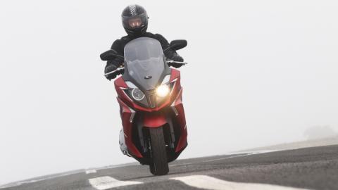 Prueba del Kymco Super Dink 350 cc 2017: un salto enorme