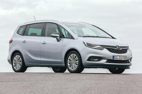 Gana al Opel Zafira por 25 puntos. El francés es más capaz, flexible y confortab