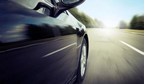Detenido un conductor por circular a 230 km/h y grabarlo