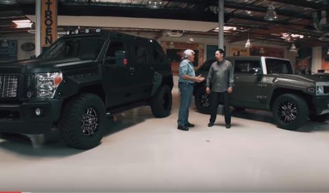 Jay Leno prueba el Rhino GX de 'Fast 8'