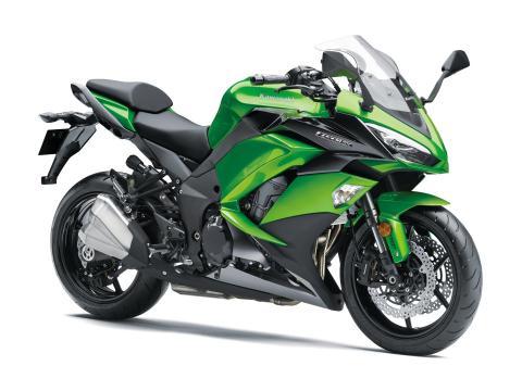Kawasaki-Z1000-SX-2017-1