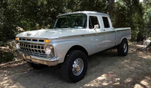 La Ford Crew Cab de ICON es una oda a los pick-up clásicos