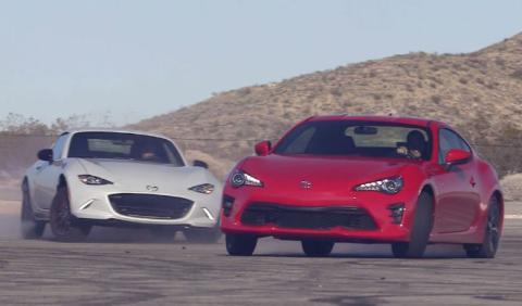 Cuando un Toyota y un Mazda arrasan a un Dodge