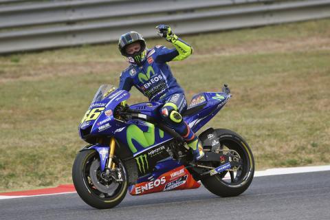 """Valentino Rossi: """"A 8 vueltas del final ya estaba muerto"""""""