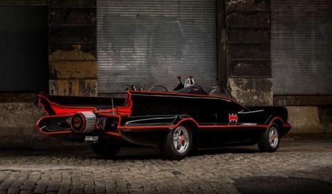 Una réplica del Batmóvil sale a la venta