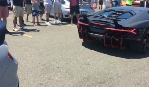 Lamborghini Centenario VS Shelby GT350R: ¿cuál atruena más?