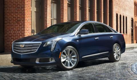 El Cadillac XTS estrena cara y tecnología