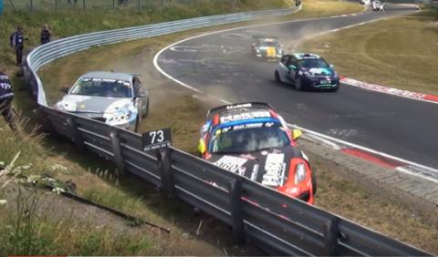 Vídeo: accidente entre un Porsche Cayman GT4 y un BMW M235i