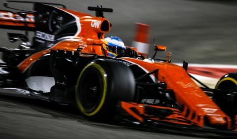 Alonso, acusado de fingir sus problemas de motor en Bahréin