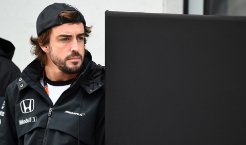 Alonso admite su interés en correr fuera de la Fórmula 1