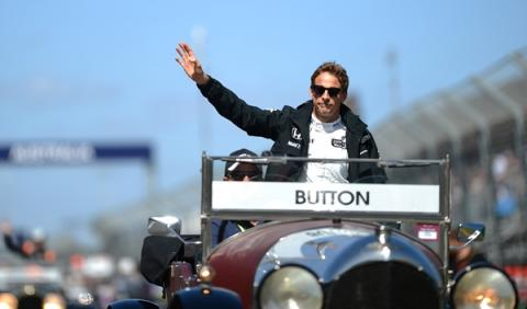 Button cree que McLaren podrá batir a Mercedes