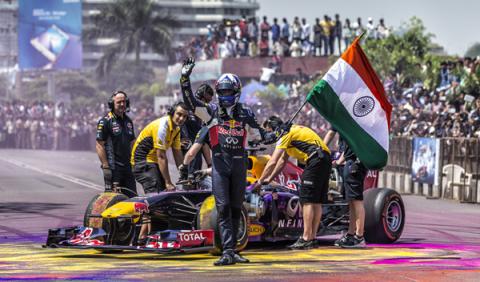 David Coulthard protagoniza un malentendido en India