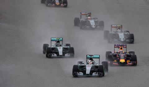 F1. GP EEUU 2015: Hamilton gana y se alza con el título