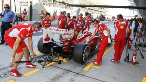 Ferrari ficha a 60 ingenieros de sus principales rivales