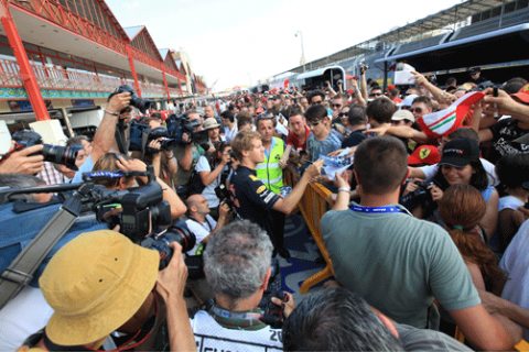 Firma autografos - GP Europa 2011 - Valencia