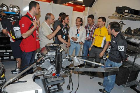 Galería de un día en el Gran Premio de España de F1 con Renault