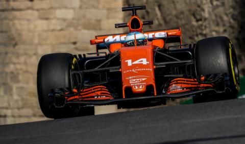 GP Azerbaiyán: Alonso, en el fondo de la parrilla