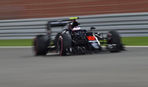 Jenson Button estrenará motor en China