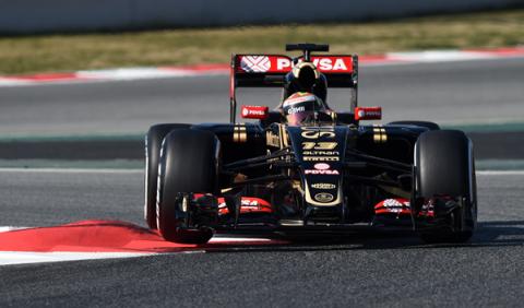 Maldonado lidera en el primer día de test F1 en Barcelona