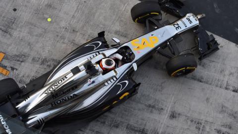 El McLaren-Honda 2015 supera los crash-tests de la FIA